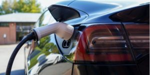עמדת טעינה מהירה לרכב חשמלי